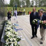 EKRE mälestas Kommunismiohvrite memoriaali juures küüditamisohvreid